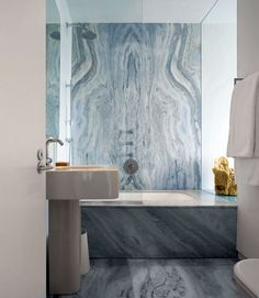 Amazing Glass House in Floating Design: Beautiful Marbled Bathroom Interior Stunning Beach Glass House White Marble Bathrooms, Marble Showers, Marble Interior, Bathroom Interior Design, Bathroom Designs, Bathroom Ideas, Interior Modern, Bathroom Vanities, Bad Inspiration