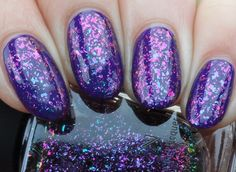 ILNP - Metropolis (Ultra Chrome Flakies Collection) über OPI Do you have this Color in Stock-holm?