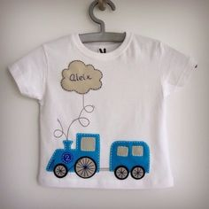 T-shirt keçe (felt) Más Boys Clothes Style, Diy Clothes, Applique Designs, Quilting Designs, Baby Boy Outfits, Kids Outfits, Bookmarks Kids, Baby Sewing Projects, Shirt Embroidery