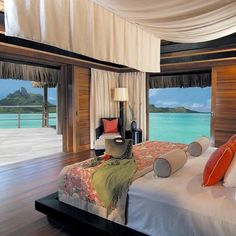 Would you like a room with a view? #BoraBora #tahiti #frenchpolynesia
