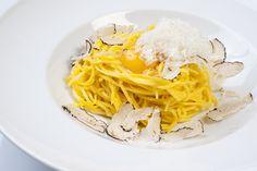 Tagliolini al Tartufo, plato del Restaurante Gioia, Madrid Chefs, Spaghetti, Ethnic Recipes, Food, Risotto, Restaurants, Europe, Gastronomia, Pumpkin Ravioli