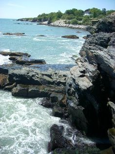 Newport, RI: rocky coastline One of the most beautiful places ever and just an hour away. Oh The Places You'll Go, Places To Travel, Newport Hotel, City By The Sea, Newport Rhode Island, Short Trip, East Coast, Day Trips, Travel Usa