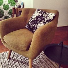 New addition to the house! Fauteuil from Scandinavian Design sided by Hay coffee table and rug from Marc Janssen