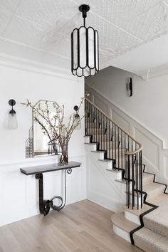 Austin Victorian by Chango & Co. Architectural Advisement & Interior Design by Chango & Co. Architecture by William Hablinski Construction by J Pinnelli Co. Photography by Sarah Elliott Luxury Home Decor, Luxury Homes, Lofts, New England Farmhouse, Eclectic Modern, Foyer Decorating, Staircase Design, Foyer Design, Luxury Staircase