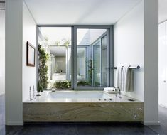 See 59 sleek contemporary and modern master bathroom design ideas. All colors (lots are white though). Modern Master Bathroom, Ideas Hogar, Diy Bathroom Decor, Bathroom Ideas, Bath Ideas, Inside Design, House Windows, Interior Design Studio, Design Interiors