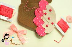 Cupcakes de feltro com passo a passo e moldes