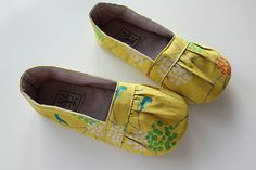 PDF pattern for Olivia Shoes. I wonder if I could make a sole for them out of old tires or something.