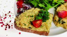 Birkenstocks Handkäse Obatzer Birkenstocks, Avocado Toast, Baked Potato, Gabel, Baking, Breakfast, Ethnic Recipes, Food, Food Portions
