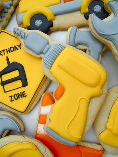 Throw a spectacular party with fun Construction Party Food Ideas & Birthday Desserts. Have a little guy or gal who loves Dirt Movers and Tools? Onesie Cookies, Man Cookies, Iced Cookies, Cute Cookies, Royal Icing Cookies, Cupcake Cookies, Sugar Cookies, Birthday Party Desserts, Birthday Cookies