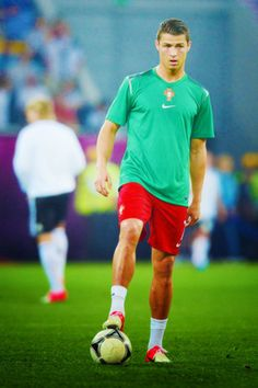 Cristiano Ronaldo l Portugal Soccer Guys, Good Soccer Players, Cristiano Ronaldo 7, Man Of The Match, Sport Icon, Portugal, All I Ever Wanted, How To Make Shorts, How To Look Better