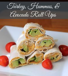 Turkey, Hummus, and Avocado Roll Ups (No Bread) 100 calories 3 weight watchers point. Delicious and healthy low carb snack and lunch recipe.