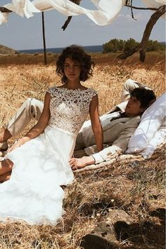 Taft & Tule Lillian West Wedding Dress Trouwjurk Bruidsjurk Vintage Romantisch Open Rug Boho Bohemian Princes Lace Tule