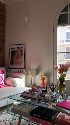 Room Ideas Bedroom, Bedroom Decor, Deco Studio, Aesthetic Room Decor, Apartment Interior, Dream Rooms, My New Room, House Rooms, House Design