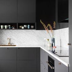 Kitchen Colors: 60 Ideas, Tips and Combinations - Home Fashion Trend Kitchen Furniture, Kitchen Dining, Kitchen Decor, Kitchen Cabinets, Interior Design Kitchen, Interior Design Living Room, Kitchen Colour Combination, Küchen Design, Kitchen Colors