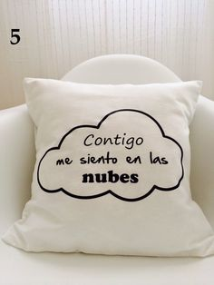 telas divinas-cojines con mensaje-cojines Más Diy Pillows, Decorative Pillows, Throw Pillows, Pillow Quotes, Vintage Hotels, Felt Decorations, Valentine's Day Diy, Do It Yourself Home, Baby Prints
