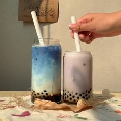 some blue matcha butterfly pea tea is so good!butterfly pea tea is so good! Bubble Tea Menu, Bubble Tea Shop, Bubble Milk Tea, Milk Tea Recipes, Coffee Drink Recipes, Coffee Drinks, Mochi, Yummy Drinks, Healthy Drinks