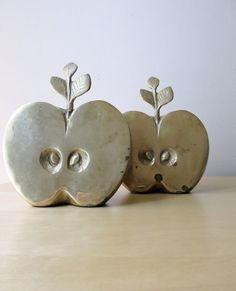 Vintage apple paper weights  ionesAttic  on Etsy