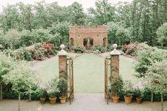 See thebridaltheory's feature on a beautiful Moss Mountain Farm wedding. Home Wedding, Wedding Pics, Farm Wedding, Wedding Venues, Wedding Ideas, Smith Gardens, Destination Wedding, Wedding Planning, Wedding Venue Inspiration
