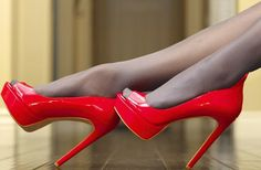 Red heels with smokey elegant tights. So nice!!