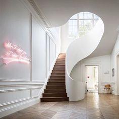 Boston townhouse Steven Harris Architects @stevenharrisarchitects Photo Scott Frances @scottfrancesphoto #staircase #staircasegoals #stairs #architecture #instarchitecture #instastairs #archidaily #stevenharrisarchitects #scottfrancesphoto