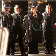 Rumple & the wicked witch (filming episode 16).<-----OMG OMG MY RUMPLE HEZ BACK!!!  MY OTP IS SAVED!(rumbell) JSJSBHEHSBHSH