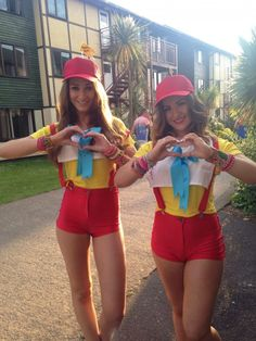 Tweedle Dee and Tweedle Dum Disney Fancy Dress Hen Do Alice in Wonderland Homemade Costume but with trousers . Lifeguard Halloween Costume, Halloween Costumes For Girls, Halloween Band, Halloween Fashion, Halloween Stuff, Halloween Makeup, Halloween Ideas, Twin Costumes, Game Costumes