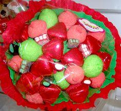 Ramo con corazones de chocolate y golosinas para San Valentín. Creado por la tienda Dulce Diseño Nuevo Centro, Valencia.