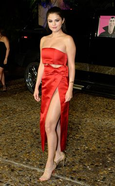 Leggy lady: Selena Gomez glammed it up at the Hotel Transylvania 2 photo call in Cancun, Mexico on Sunday Selena Gomez Fashion, Selena Gomez Fotos, Selena Selena, Style Selena Gomez, Selena Gomez Pictures, Selena Gomez Red Dress, American Music Awards, Demi Lovato, Rose Colored Dress