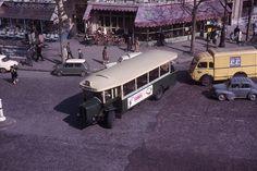 Le BUS 96 1965 - Place du 18 juin 1940, devant l'ancienne gare Montaparnasse Photo et © Jean-Henri Manara