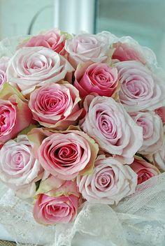 a lovely bouquet  A Positively Beautiful Blog  via prettie-sweet