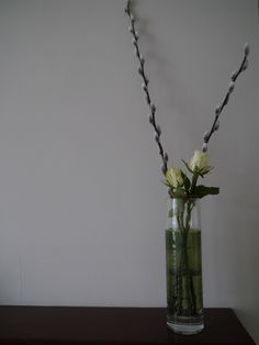 Use narrow vases for pussy willow