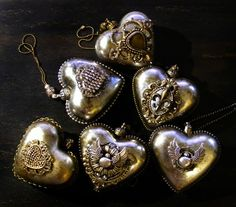 1 million+ Stunning Free Images to Use Anywhere Christmas Makes, Christmas Baubles, Christmas Themes, Christmas Decorations, Xmas, Hand Painted Dishes, Steampunk Heart, Christmas Decoupage, Iron Orchid Designs