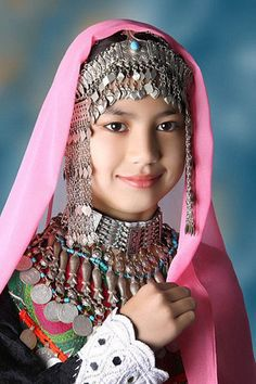 Afghanistan | Portrait of a Hazaragi girl | © Pamir School