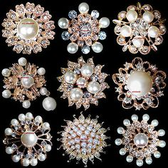 Wholesale Lot Gold Pearl Rhinestone Crystal Pin Brooches Wedding Bouquet Brand New, Gold-plated, Size: diameter to Packaging: with card and opp bag. Rhinestone Jewelry, Vintage Rhinestone, Pearl Jewelry, Crystal Rhinestone, Jewelery, Vintage Jewelry Crafts, Vintage Costume Jewelry, Buy Earrings, Stone Earrings