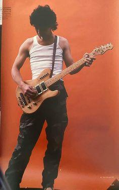 Guitar Guy, Eddie Van Halen, Big Photo, Concert Photography, Photo Dump, Rock Music, Pretty Boys, Rock N Roll, Indie