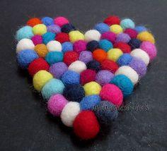 TM11 Hand Crafted wool Felt Ball pom pom beads heart shape Tea coaster mat Nepal