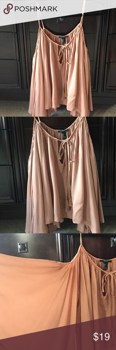 Flowing bohemian top Very Sexy and Bohemian. Wide Angel wing sleeves. Cropped but drapey. Rusty rose colored. Would look great with denim Tops Blouses