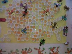 Mural d'abelles a l'eixam. Buzz Bee, Bugs And Insects, Bee Happy, Spring Is Here, Classroom Themes, Decoration, Preschool, Arts And Crafts, Projects