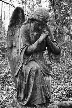 sculpture & statues | angel tomb | nunhead cemetary | by sarah hepworth