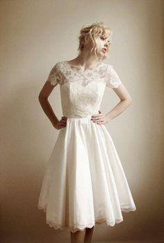 Elandra2 Piece Lace and Silk Wedding Dress от Leanimal на Etsy