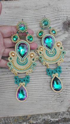 How To Make Handmade Beaded Jewelry Handmade Beaded Jewelry, Custom Jewelry, Earrings Handmade, Diy Jewelry, Jewelery, Jewelry Accessories, Soutache Necklace, Beaded Earrings, Earring Trends