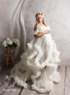 Maternity Gowns, Maternity Session, Bright Eyes, Maternity Photographer, Flower Girl Dresses, Photoshop, Wedding Dresses, How To Wear, Fashion
