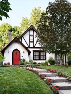 cottage homes exterior curb appeal Exterior Color Palette, Exterior House Colors, Exterior Paint, Tudor House Exterior, Exterior Trim, House Exteriors, Tudor Cottage, Cottage Homes, Cute Cottage