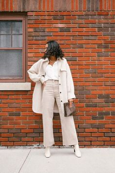 Love, Fashion & Friends gives us all her fashion tips for neutral color outfits. Chic Winter Outfits, Chic Outfits, Spring Outfits, Winter Clothes, Love Fashion, Winter Fashion, Fashion Tips, Winter Love, Winter Style