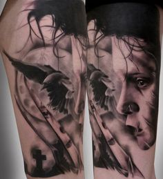 Edward Scissorhands Black and Grey Tattoo. (He even got the reflection in the blade!!) Artist: Silvano Fiato