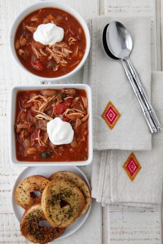 Slow Cooker Chicken Chili recipe from Weelicious.com
