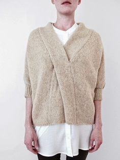 La Biche enlainée: Crossed sweater