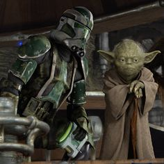 Commander Gree (left) and Master Yoda (right) during the battle of Kashyyyk.