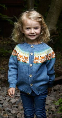 Knitting Pattern For Princess Charlotte - Diy Crafts - DIY & Crafts Diy Knitting Projects, Kids Knitting Patterns, Baby Sweater Knitting Pattern, Knitting Designs, Knitting For Charity, Fair Isle Knitting, Knitting For Kids, Free Knitting, Knitting Magazine
