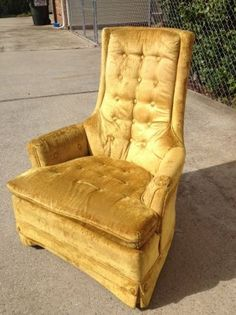 Beautiful Gold Vintage High Back Tufted Chair I Have An
